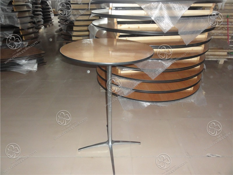 Cocktail Table 004